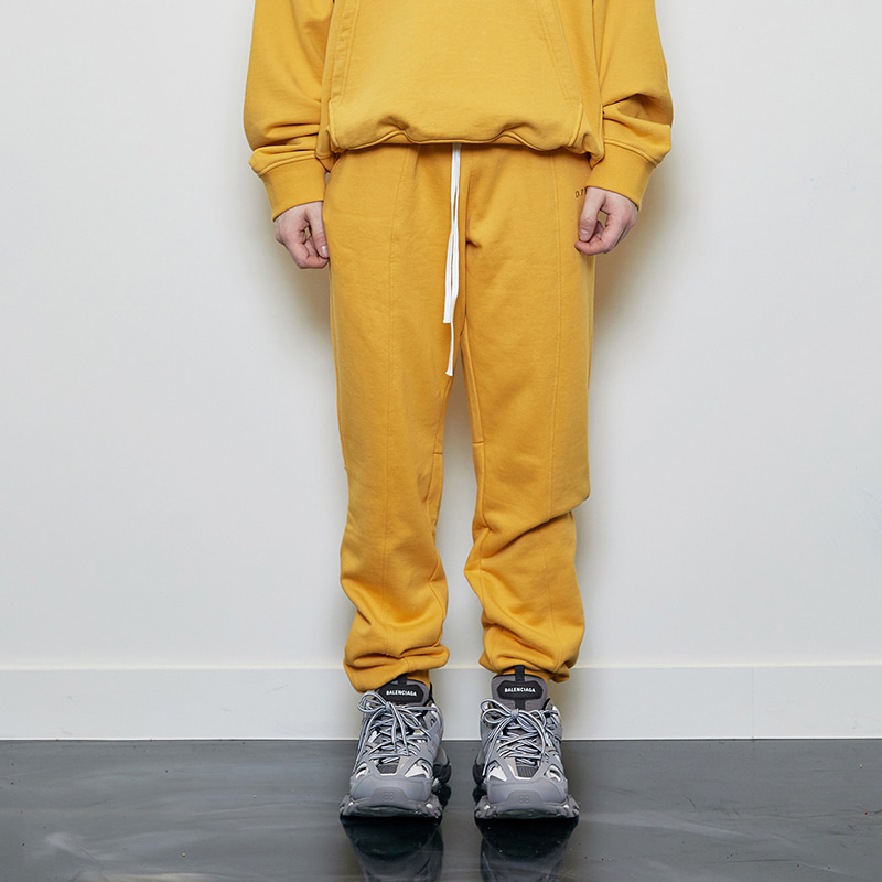 LOGO JOGGER PANTS (YELLOW)